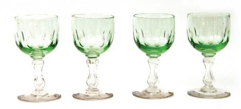 şarap-tipi-kabartmalı-yeşil-kadeh--99-TL,-www.lofthing.com