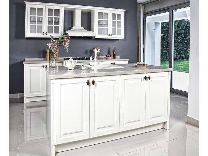 Pierina / Kelebek Kelebek Mutfak, 2015 koleksiyonlarından Pierina ile mutfak dizaynına modern bir bakış açısı kazandırıyor. Beyaz ve krem olmak üzere iki farklı renk seçeneğiyle tasarlanan ve Country tarzıyla öne çıkan model, kullanışlı detaylarıyla ve pürüzsüz mat lake yüzeyi ile dikkat çekiyor. Üründe, her mutfağa uyum sağlamayı kolaylaştıran zengin modül, renk ve aksesuar seçenekleri bulunuyor.